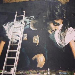 O artista é Gomez, da Itália, segundo o @londongraffiti no Instagram, de onde a foto foi retirada