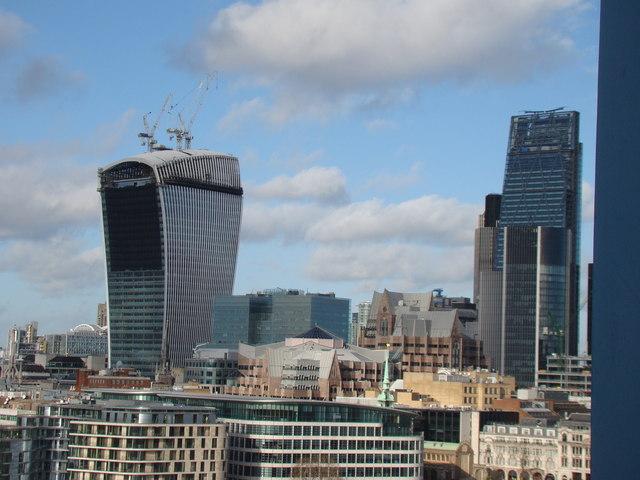 Prédios de Londres: para o alto e avante (3/3)